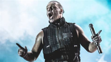 Till Lindemann will be recording without Rammstein once again