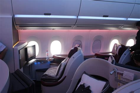 6 of the World's Best Business Class Airlines