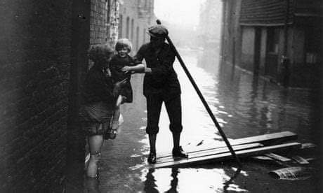 River Thames floods London: From the archive, 10 January