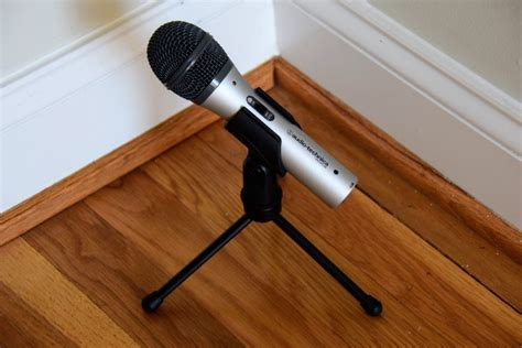 Audio Technica ATR2100 Review and Microphone Test - Tony