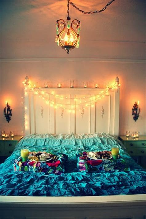 12 Ideas for Year-round Christmas Lights Decoration in the