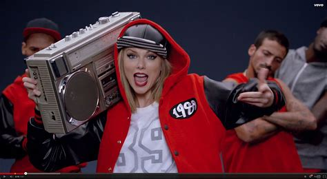 """Critic's Notebook: Taylor Swift's catchy, tone-deaf """"Shake"""